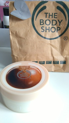 gommage the body shop beurre de karité scrub