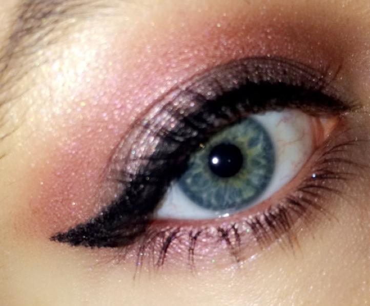 L'eyeliner Signature Précision d'Elissance